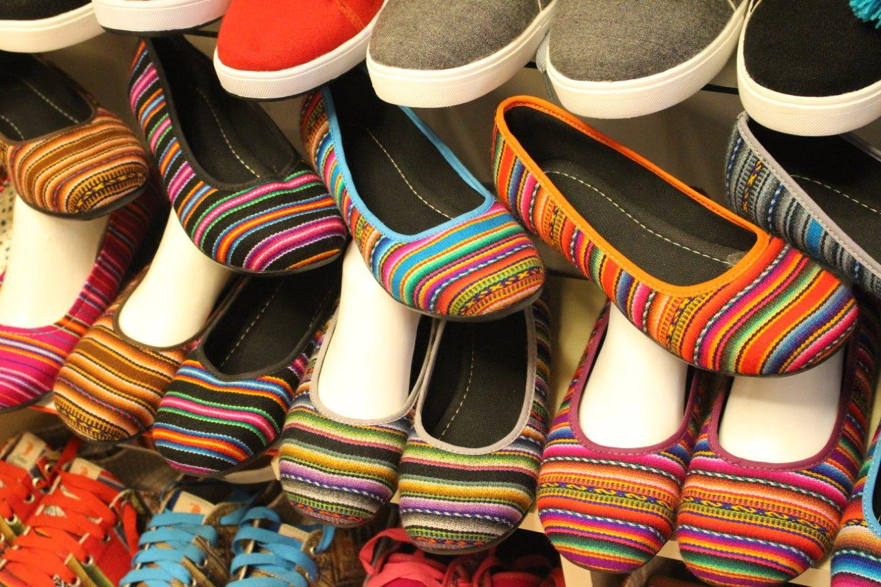 ... and there were colors everywhere at Mercado Inca