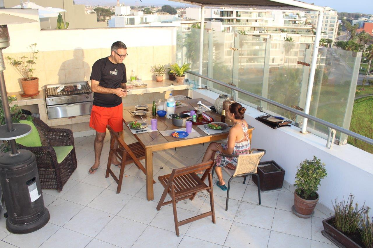 In one of our last days in Lima we had a barbecue with Susie. We missed you there Ben