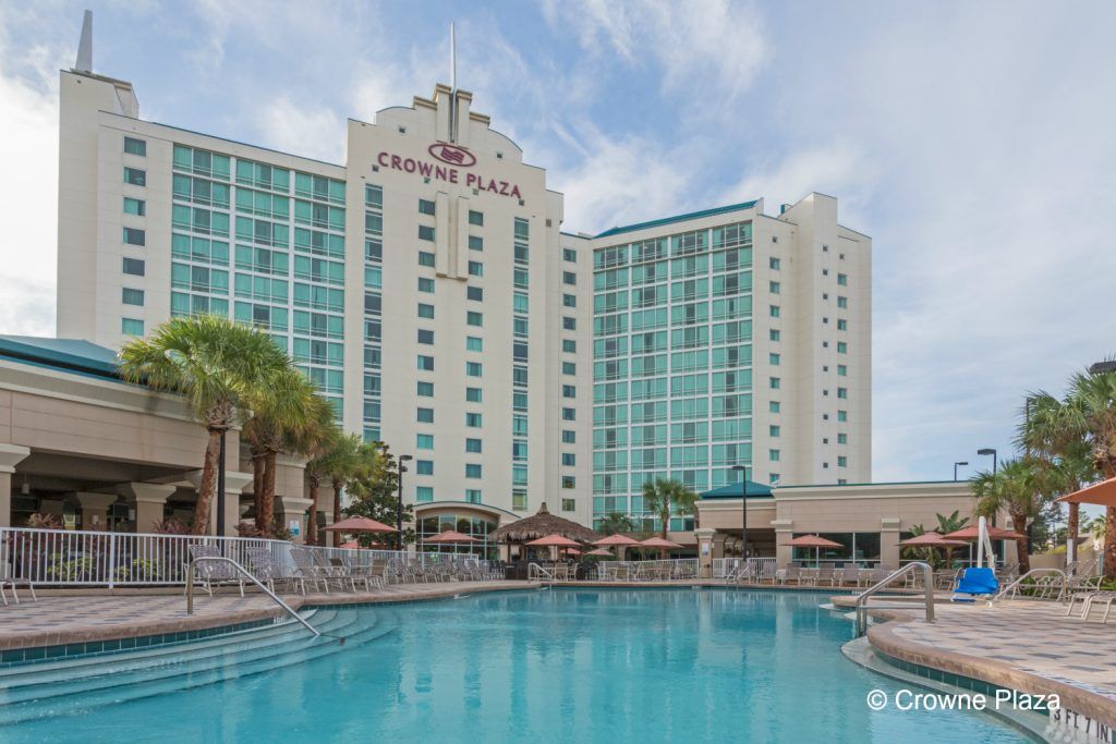 MCOUV-CP-Universal Orlando-Pool-9996