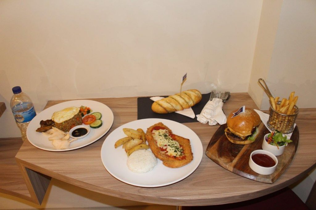 That's how hungry we were at the Mahogany Hotel in Nusa Dua, Bali