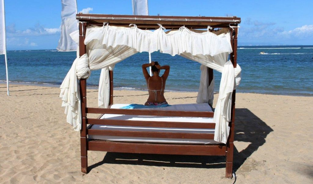 Balinese bed from the Grand Mirage Resort & Thalasso Bali