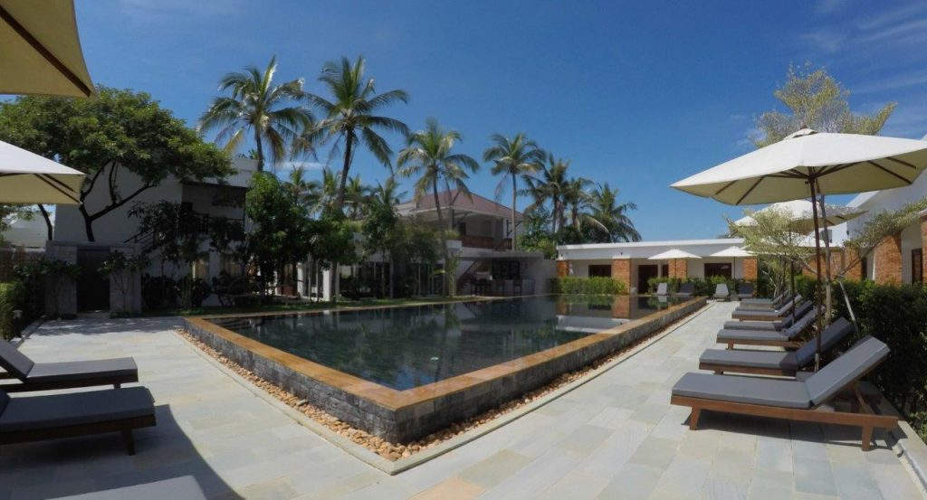 the swimming pool at Elegant Angkor Resort & Spa in Siem Reap was also very nice and warm